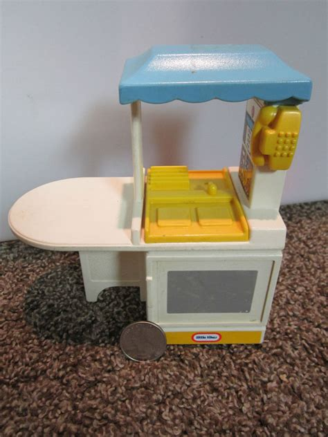 little tikes sink and stove little tikes dollhouse size play doll house kitchen toy