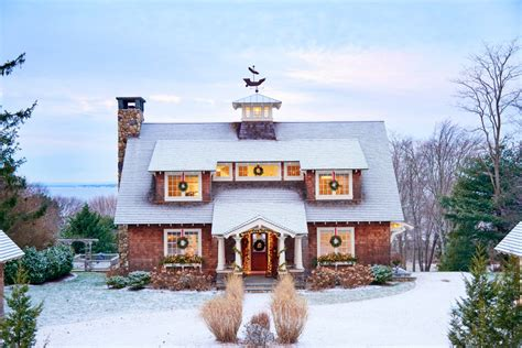 bungalow christmas house 8 houses that will warm your coastal living