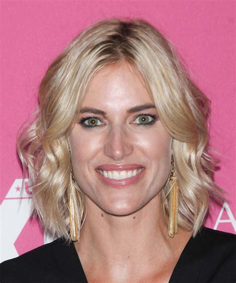 kristen takeman bob kristen taekman medium wavy casual hairstyle light blonde
