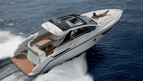 atlantis yachts small sporty new model robb report - Small Boat Yacht