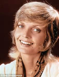 does florence henderson have thin hair carol called she wants her hairstyle back keith urban