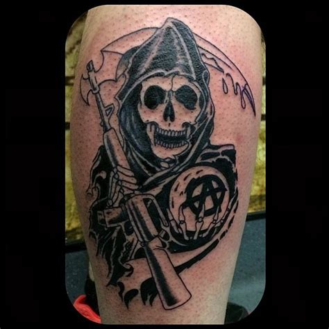 sons of anarchy back tattoo kingofbones with the sons of anarchy logo yesterday