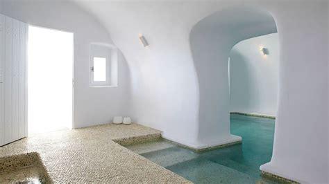 Kirini Santorini Hotel ? Minimalist Luxury In The