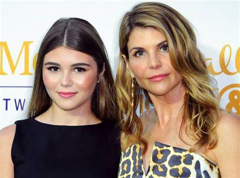 lori loughlin lipstick whoa lori loughlin s look alike daughter is her mini me