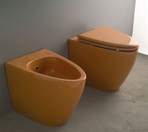colored toilet colored toilet and bidet from aquaplus solutions the