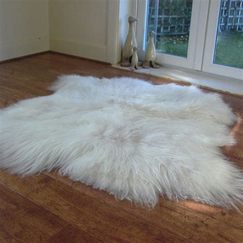Sheepskin Rug by White Sheepskin Rug