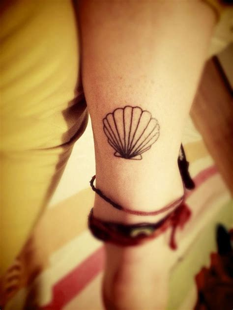 small shell tattoo best 25 shell tattoos ideas on mermaid thigh