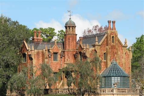 haunted mansions file the haunted mansion jpg wikipedia