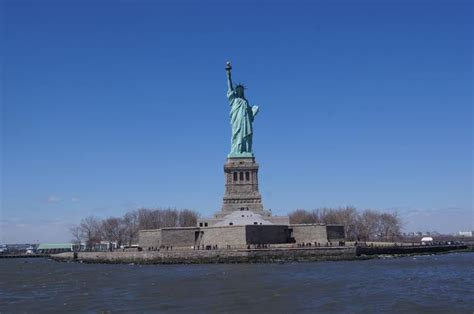 Amerika Newyork Times Liberty Patung Liberty United State jangan lupa kunjungi 10 tempat menarik di amerika serikat
