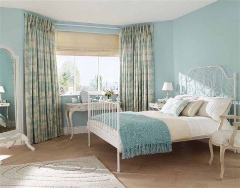 Stunning Curtain Ideas For Bay Windows In Bedroom With