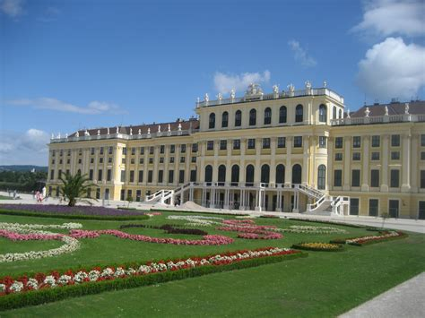 schã nbrunn sch 246 nbrunn palace schloss sch 246 nbrunn vienna travel guide