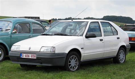 Delightful Car Style #2: 1200px-Renault_19_at_Schaffen-Diest_%282017%29.jpg