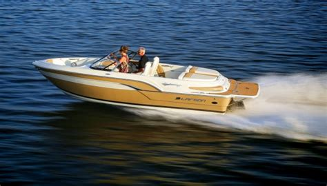 larson wood boats larson all american retro styling modern construction