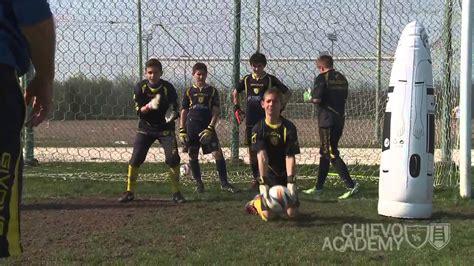 esercizi per il portiere allenamento di calcio esempi di esercizi il portiere e