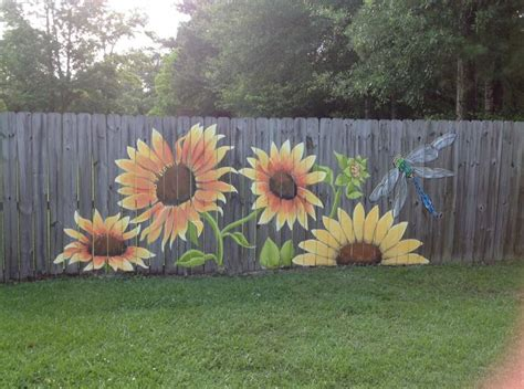 Backyard Wall Painting Ideas 25 Best Ideas About Fence Painting On Pinterest Fence Garden Fence Paint And Garden