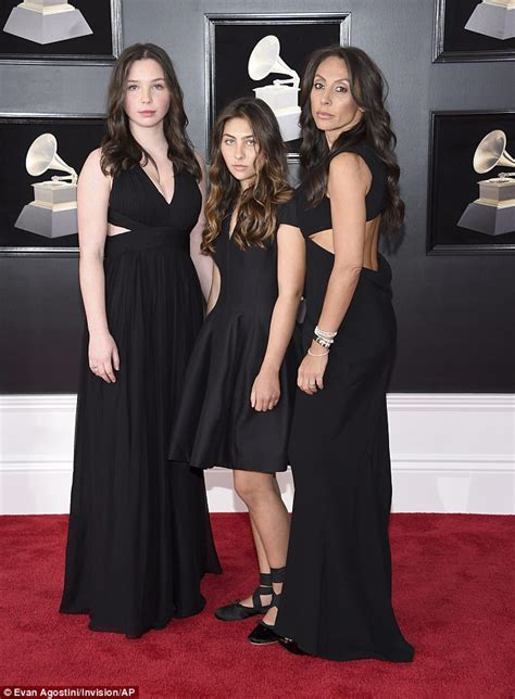 Grammys Carpet The Day After by Grammys Chris Cornell S Family Walk Carpet In Black
