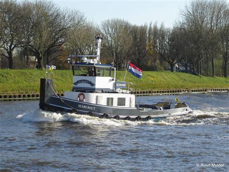 sleepboot margriet margriet 02304990 251116 zeeburg r h mulder d