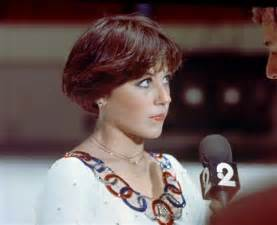 pictures of the back of a wedge hair cut front and back view of dorothy hamill haircut short