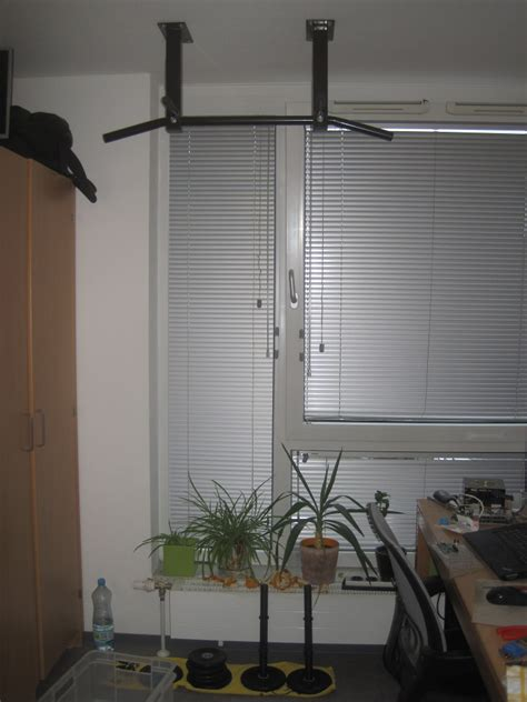 bedroom pull up bar small apartment space