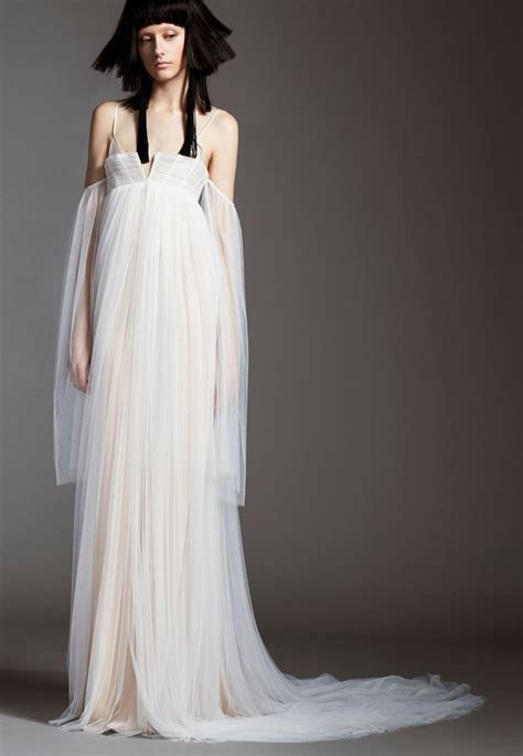 A Vera Wang Rainbow Of Dresses Part 1 by 20 Best Vera Wang Fall 2017 Collection Images On
