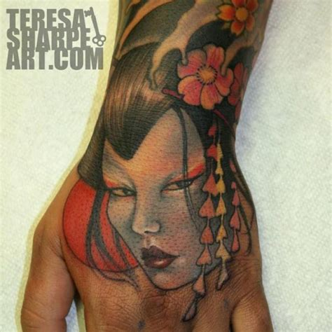japanese tattoo on hand japanese hand geisha tattoo by teresa sharpe
