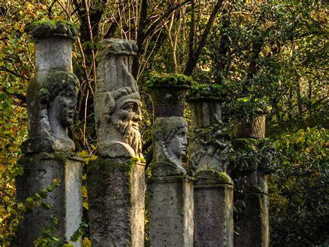giardini di bomarzo il sacro bosco di bomarzo un giardino sogno amarisla
