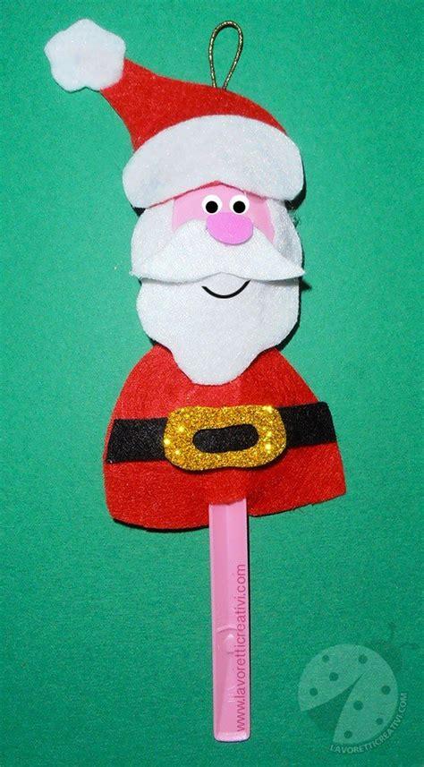 addobbi natalizi con bicchieri di plastica babbo natale con cucchiaio di plastica lavoretti creativi