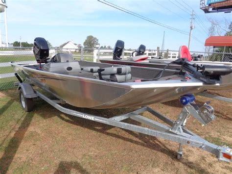 lowe boats stryker 17 lowe stryker 17 boats for sale boats