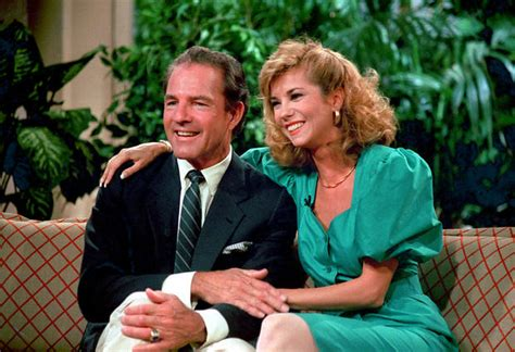 kathie lee gifford wedding hall of famer frank gifford 1930 2015 pictures cbs news