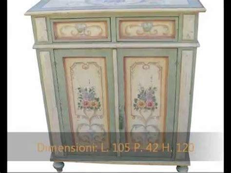 mobili tirolesi decorati produzione mobili dipinti decorati a mano armadi credenze