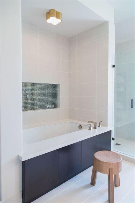 bathtub niche 25 best ideas about bathtub tile surround on pinterest