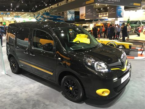 renault f1 van iaa 2016 renault links f1 to lcvs van advisor