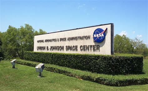 Of Houston Clear Lake Mba Admissions by When Exploring Space Equals Leasing Space The Tenant Advisor