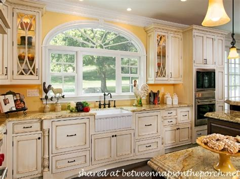kitchen cabinets cottage style country kitchen