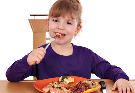 tips  anak  makan ikan