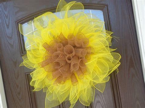 paper mesh flower wreath tutorial easy geo mesh sunflower wreath tutorial door candy