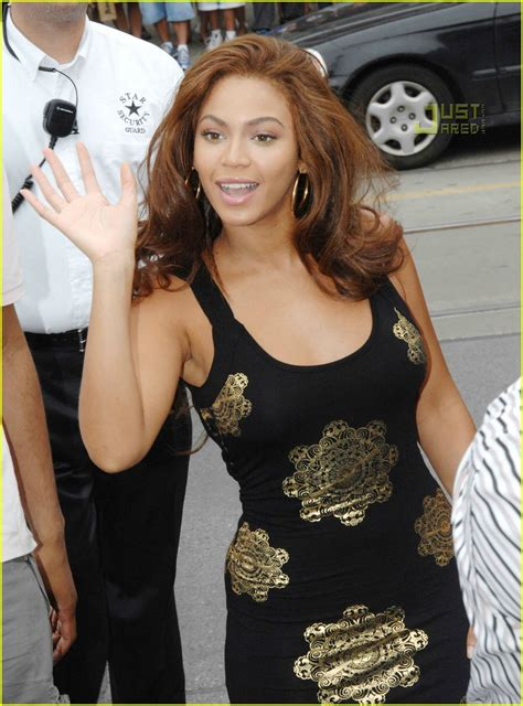 Beyonce Solange And Tina Launch The Dereon Juniors Line In Canada beyonce launches dereon for juniors photo 532651