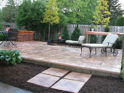 Raised Gravel Patio by Raised Patio Diy Diy Paved Patio Area Creative