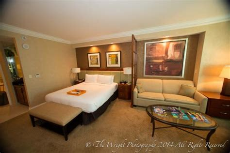 mgm deluxe room balcony deluxe suite with king size bed picture of signature at mgm grand las vegas tripadvisor