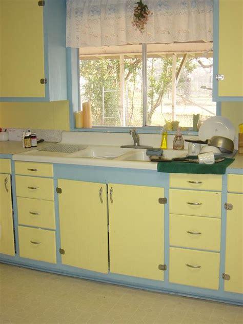 blue and yellow kitchen blue and yellow kitchen colors blue and yellow kitchen midorilei