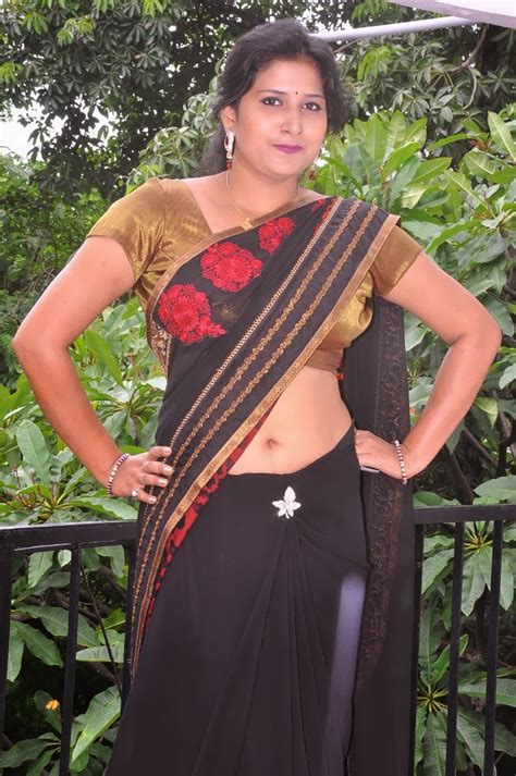 kushboo navel south aunty actress kushboo hot navel show gallery in