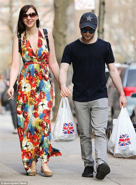 Daniel Radcliffe Pourquoi Son Couple Avec Erin Darke Est L Un Des Plus Sains De Tout Hollywood