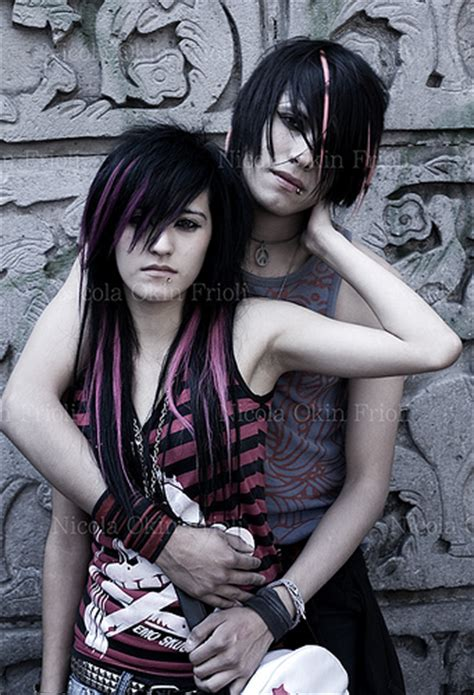 imagenes de emo escene emo couple love wallpapers emo love wallpapers couple