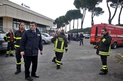 equitalia sede roma foto l attentato a equitalia 1 di 9 roma repubblica it