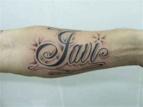 cadenas con el nombre sebastian tatuaje de un nombre en el antebrazo tatuajes de nombres