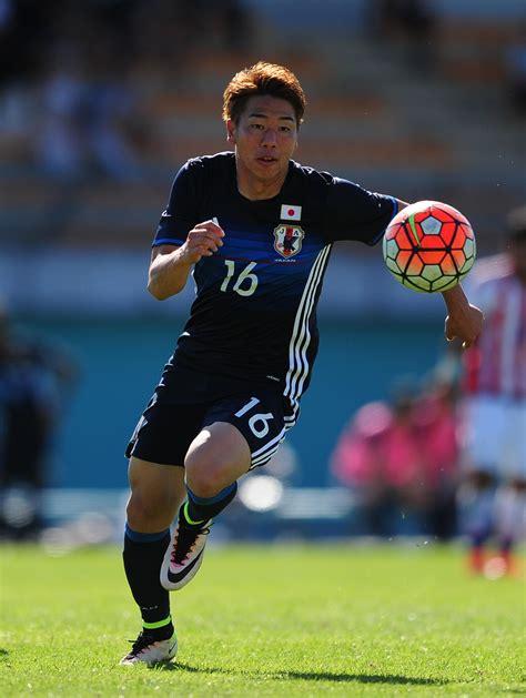 arsenal japanese player arsenal agree deal for japan forward asano