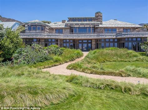 steven spielberg house steven spielberg puts his malibu mansion up for rent at a cool 125 000 a month