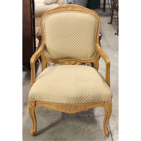 Gold Accent Chair Guide To Buying Stylish Accent Chairs