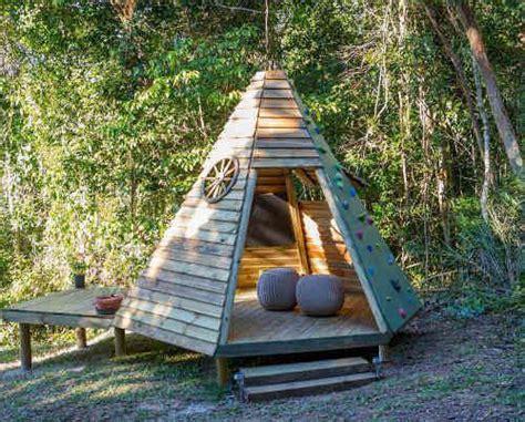 Fabriquer Une Cabane En Bois Pour Enfant by Cabane En Bois La Plus Pour Vos Enfants