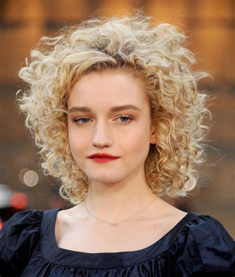 best hair cutt for frizzy blonde hair 31 christmas hairstyle designs ideas haircuts design